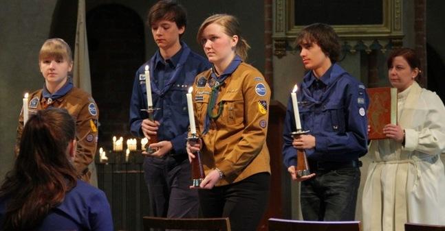 Scouterna medverkade i gudstjänsten.